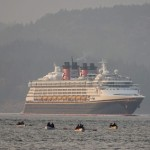 Disney Wonder in the smoke (3)