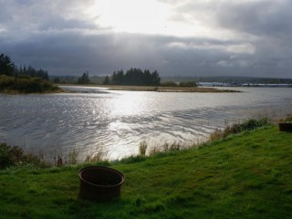 Stormy weather at high tide (3)