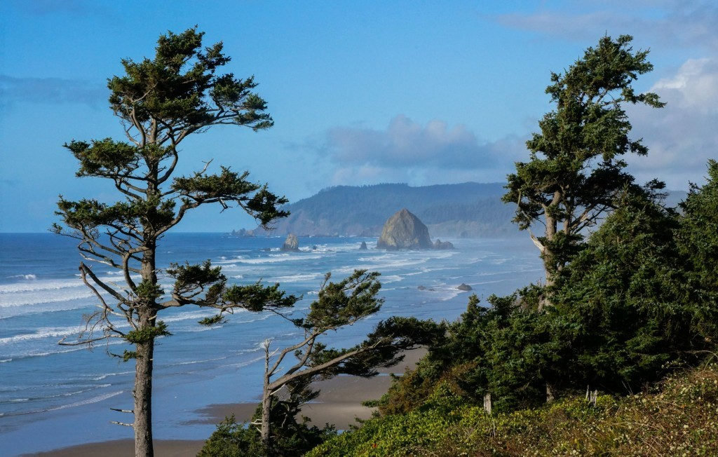 haystack-rock-cannon-beach-oregon
